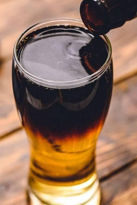Blake's Hard Cider Snake Bite Cocktail